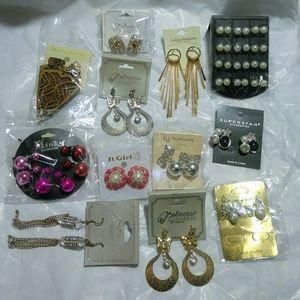 Bundle of Earrings (25 Pieces)